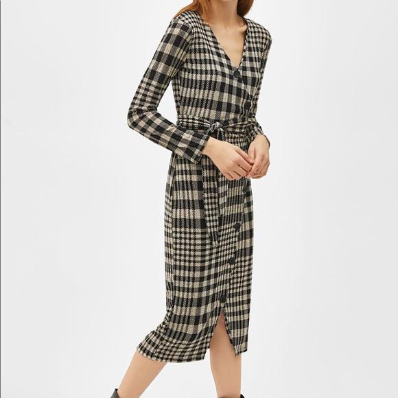 ef2e2e9f245 Bershka Check Wrap Midi Dress
